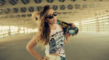 Tampil Keren dengan Gaya ala Skater Girl