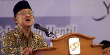 Kenangan Habibie Ketika Menolak Permintaan Soeharto