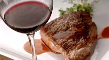 Empukkan Daging dengan Wine