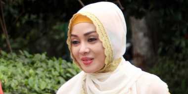 Berhijab, Terry Putri Pasrah Kontraknya Diputus