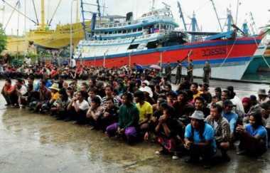 Imigrasi Tual Deportasi 31 Pekerja Benjina Asal Myanmar