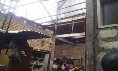 Puting Beliung Terjang Kota Padang