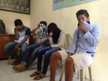 Tiga Pria dan Satu Perempuan Ditangkap saat Akan Mesum