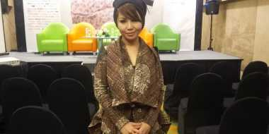 Padu Padan Batik ala Desainer Mayaratih