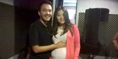 Istri Lewati Masa Kritis Kehamilan, Ruben Buat Lagu