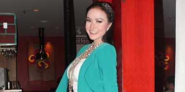 Alona Kesal Disebut Dompleng Vicky Prasetyo