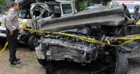 Truk Bermuatan Pasir Alami Kecelakaan di Tol Cikampek