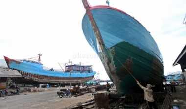 Dua Kapal Pukat Harimau Tertangkap di Perairan Pasaman Barat