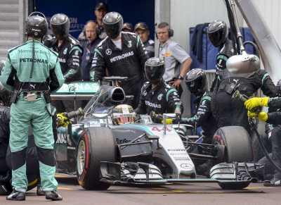Kesalahan Mercedes Buat Legenda F1 Frustrasi