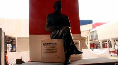 Ada Patung Soekarno di JFK 2015