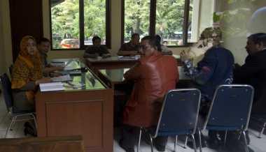 Terkait PSSI, Menpora Harus Patuh Hukum