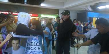 Tiba di Jakarta, Tommy Page Disambut Fans Setia