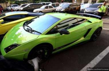 Mobil Lotus & Mercy Berpelat Bodong Diamankan Polisi