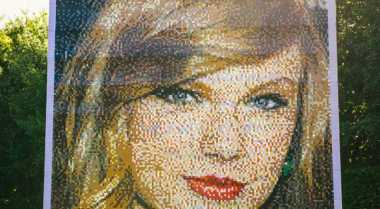 Legoland Resort Hadirkan Wajah Taylor Swift dari Logo