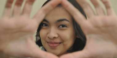 Tika Bravani Lelah Lihat Sinetron Indonesia
