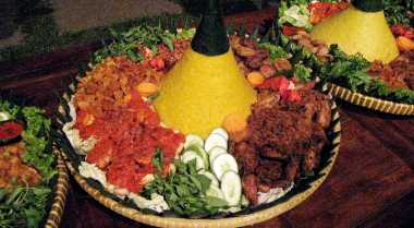 Resep Nasi Kuning Bentuk Tumpeng