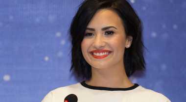 Cara Demi Lovato Berjuang Lawan Gangguan Bipolar