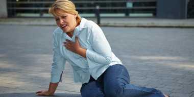 Kebiasaan Minum Alkohol Berpotensi Rusak Jantung