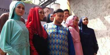 Busana Muslim Swarovski Jadi Tren