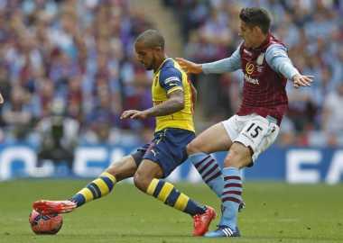 Walcott Bawa Arsenal Unggul