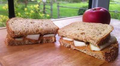 Apple Peanut Butter Sandwich Cocok buat Sarapan Pagi
