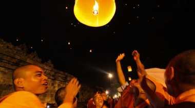 Pelepasan Lampion di Waisak Borobudur Disaksikan Dunia