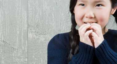 Kiat Hentikan Kebiasaan Anak Mengisap Jempol