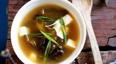 Gurihnya Sup Miso Berasal dari Kaldu Kacang Kedelai