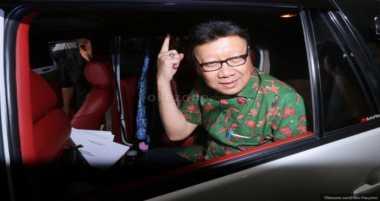 Menteri Pembelot, Tjahjo Siap Bela Jokowi