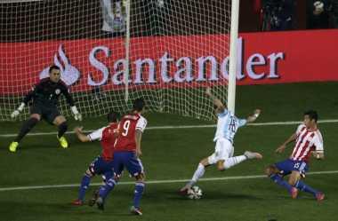 Bek United Buka Keunggulan Argentina