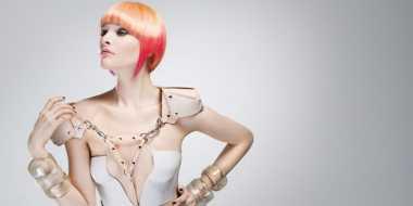 Memilih Warna Rambut Pastel dan Neon Sesuai Kulit
