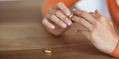 Ini Cara Uang Hancurkan Pernikahan