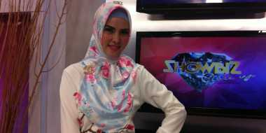 Sibuk Syuting, Angel Lelga Batal Puasa di Makkah