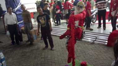 Hanoman Merah Sambangi Jakarta Fair Kemayoran