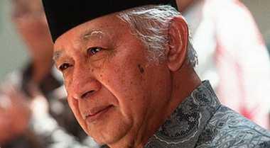 Almarhum Soeharto Selalu Salat di Masjid Cut Meutia