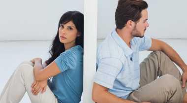 Pertanda Hubungan Asmara Akan Berakhir