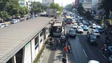 Alat Pemadam Kebakaran di Bus Transjakarta Tak Berfungsi