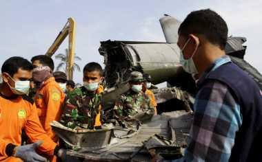 Angkat Reruntuhan, Tim Evakuasi Temukan Potongan Kaki