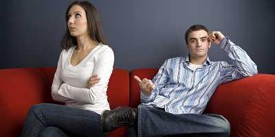 Suami Dilarang Berkata Kasar pada Istri