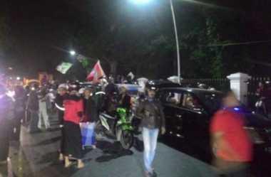 Bima Arya Disatroni Ratusan Santri Protes Larangan SOTR