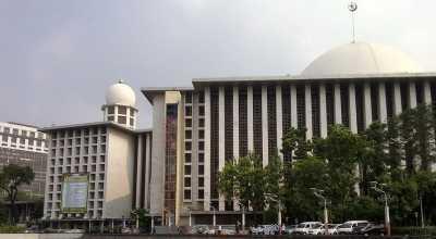 Tips Nyaman Beribadah di Masjid Istiqlal