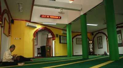 Masjid Lautze Dihiasi Kaligrafi Bergaya Mandarin