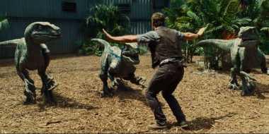 Jurassic World Rajai Box Office Empat Minggu Beruntun