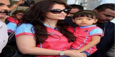 Aishwarya Rai Ibu Terhebat di Bollywood