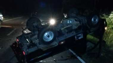 Kejar-kejaran dengan Polisi, Mobil Curian Terbalik