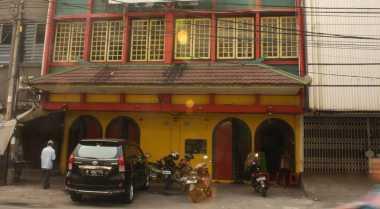 Tak Megah, Masjid Tionghoa Pasar Baru Berlantai Empat
