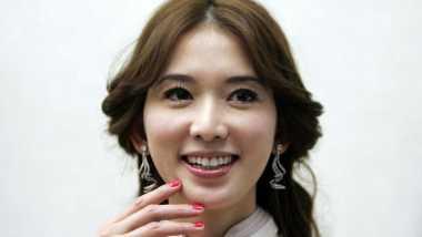 Percantik Gigi Anda dengan Stroberi