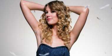 Taylor Swift Takjub Lihat Viewers Blank Space