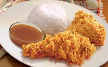 Nasi Ayam Sudah Paling Lezat Buat Azizah 'KDI'