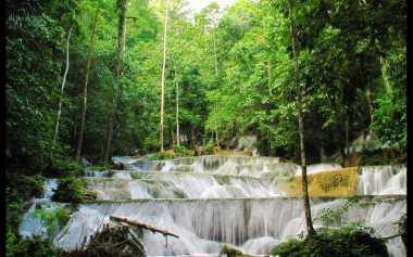 Tips Nyaman Liburan ke Air Terjun Moramo